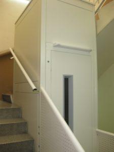 ascensor color blanco